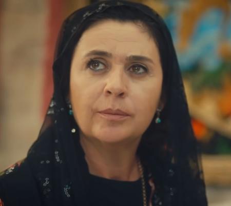 Halil'in annesi Zümrüt